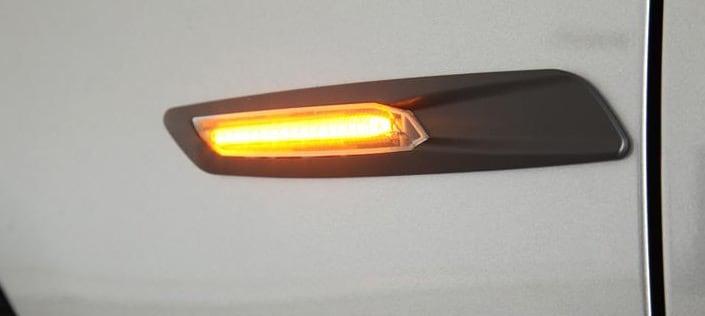 LED SkjermBlinklys Svart F10 Look