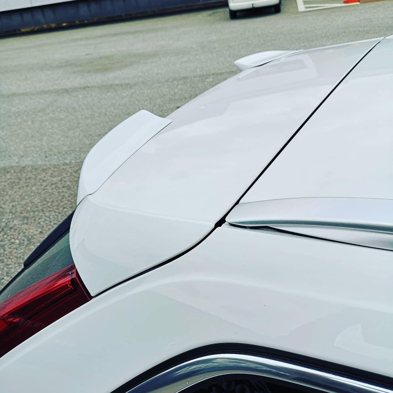 Spoiler wing Volvo V90