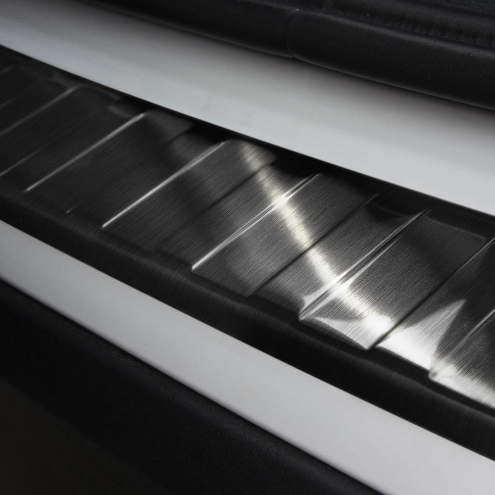 Lastskydd svart borstat stål till BMW X1 F48