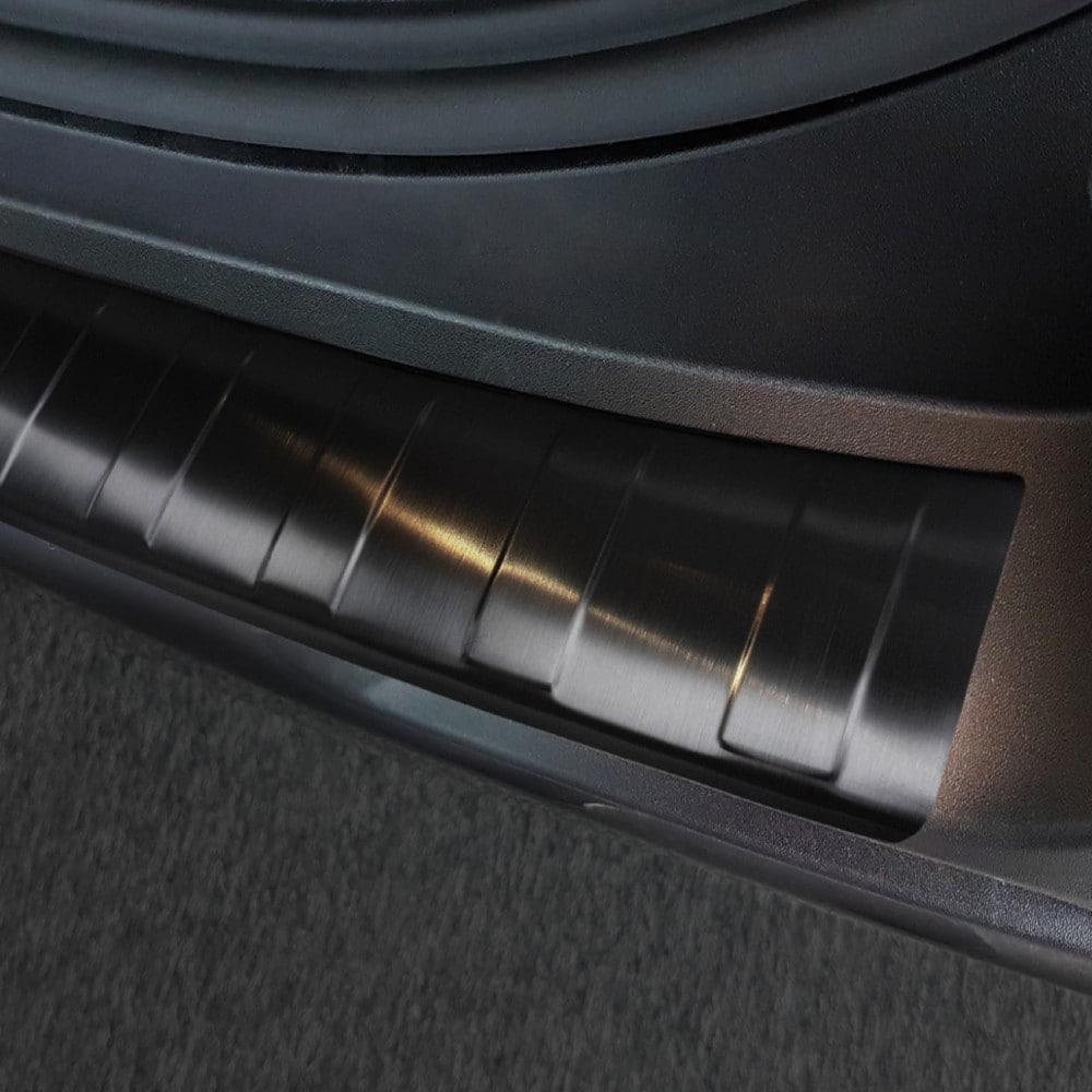 Lastskydd svart borstat stål till Toyota RAV4 V generation