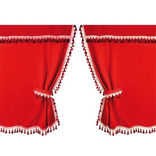 Rød gardin for Sovehytten